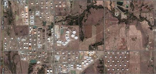 Вид на нефтехранилище со спутника